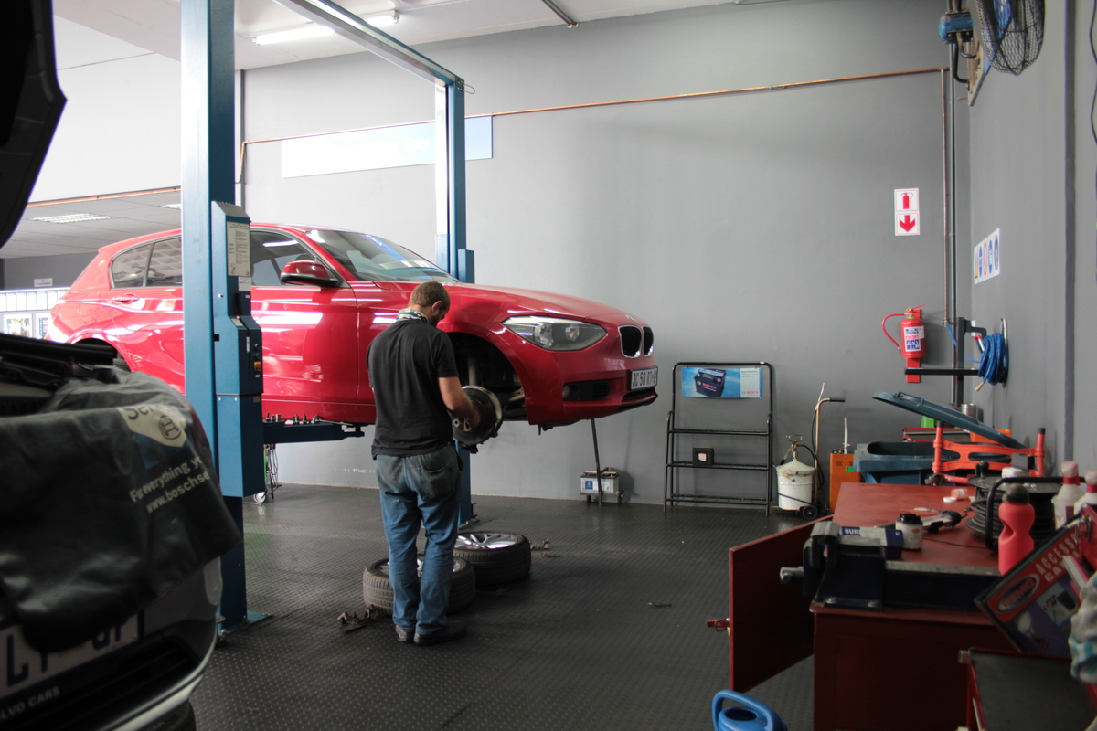 We service and repair all major vehicle brands
